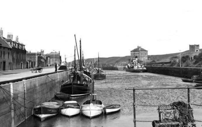 Eyemouth Harbour, 1958